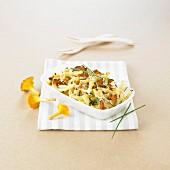 Macaronis and chanterelle gratin