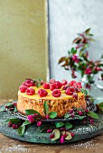 Cheesecake with raspberries and lemon curd