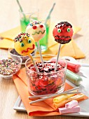 Carambar and fruit Halloween pop cakes