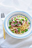 Spaghettis With Peas,Diced Bacon And Spring Onions