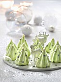 Mini Christmas tree meringues