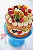Nude fruit cake