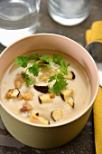 Cream of chestnut soup with ceps