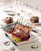 Rack of lamb and shallot gratin
