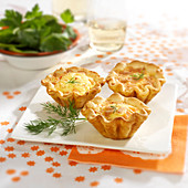 Small salmon quiches
