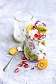Joghurt mit exotischen Früchten