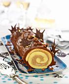 Chocolate-chestnut rolled log cake