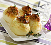 White onions stuffed with sausage meat