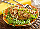 Ground beef, tomato, green pepper and gouda toasted gouda with rocket lettuce and green pepper