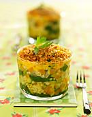 Vegetarisches Gratin mti Bulgur, Gemüse und Karottenpüree mit Petersilienbröseln