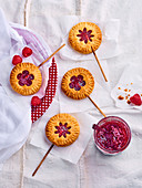 Raspberry Linzer pops