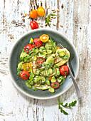 Gnocchi mit Basilikum, Fenchel, gebratenen Tomaten und Rucola-Pesto