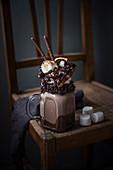 Schokoladen Freak Shake mit Marshmallow, Waffel, Mikado, Schlagsahne und Schokoraspel