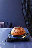Christmas Pudding mit Karamellsauce