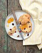 Cranberry scones with orange marmelade