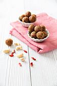Goji Bean And Cashew Energy Balls