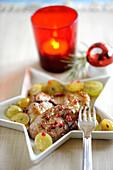 Gebratene Foie Gras mit weissen Trauben und rosa Pfeffer