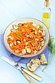 Karotten-Spaghetti mit Herzmuscheln und Dill