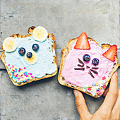 Bear and cat toasts