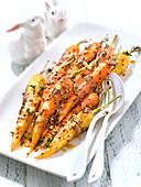 Gebratene Karotten mit Ahornsirup, grobkörnigem Senf und Thymian