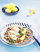 Maischolle mit Cidre, gebratene Champignons