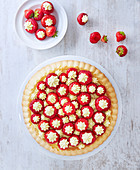 Strawberry pie with pastry cream filling