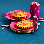 Small pink praline pies
