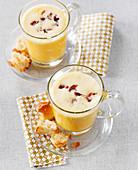 Butternusskürbis-Cappuccino mit Chorizo