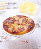 Gestürzter Ananaskuchen