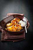 Gebratene Aprikosen mit Lavendel und Sahne