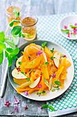 Orangensalat mit Karotten, Apfel und Minze
