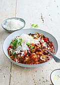 Vegetarischer Chili mit Reis