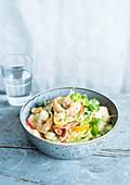 Garnelencurry mit Zucchini und Paprika