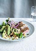 Kalbfleisch mit Broccoli-Hirse-Salat
