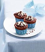 Cupcakes mit Mandeln und Milchschokolade