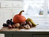 Herbstgemüse und Herbstfrüchte