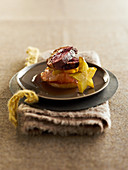 Magret de Canard (Kaltgeräucherte Entenbrust, Frankreich) mit süß-saurer Sauce und Sternfrucht
