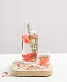 Infused Water mit Wassermelone und Rosmarin