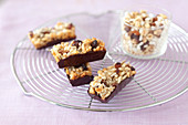 Sunflower seed,raisin and chocolate cereal bars