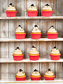 Kokos-Cupcakes mit Cremehaube