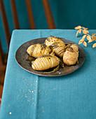 Fächerkartoffeln mit Salbei als weihnachtliche Beilage