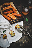 Pikante Minikuchen mit Zucchini, Ziegenkäse und Minze