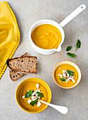 Karotten-Kokosmilch-Suppe