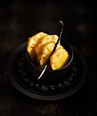 Geschmorte Ananas mit Vanille
