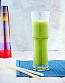 Detox-Saft mit Zucchini, Apfel und Knoblauch