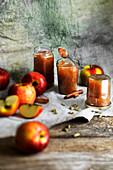 Apfelmarmelade mit Zimt und Kardamom