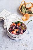 Vegetarisches Daube Provencale mit Seitan und Rotwein