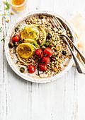 Gebackener Weizen mit Fenchel, Oliven, Zitrone und Kirschtomaten