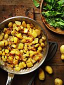 Truffade (Kartoffel-Käse-Gericht, Auvergne, Frankreich)