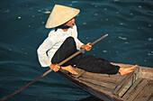 Vietnamesin auf Boot